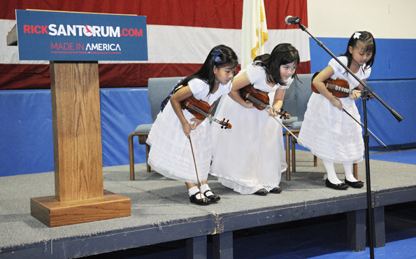 Young musicians for Santorum