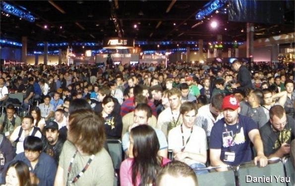 A crowd watches a Starcraft 2 match