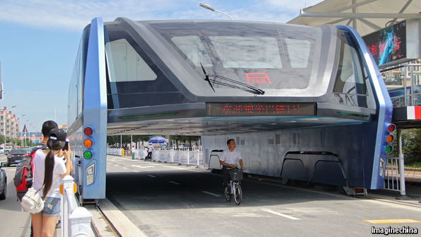Why China's lane-straddling super-bus won't get off the ground