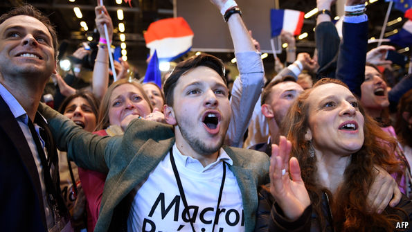 Macron and Le Pen advance to the second round of the French election