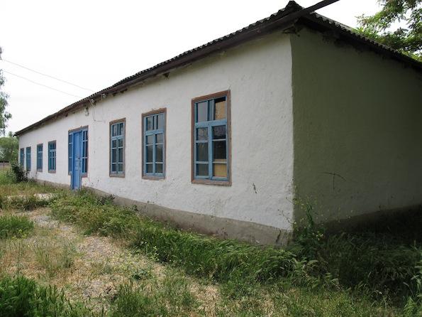 Schoolhouse in Khrakh-Uba
