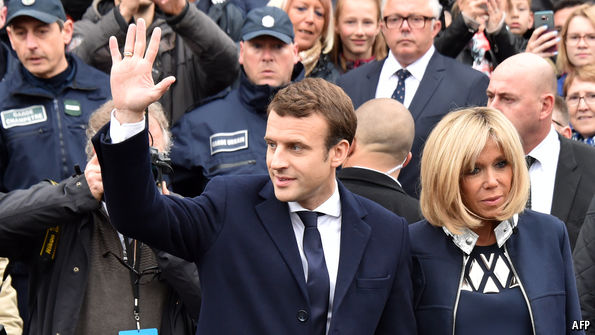 French voters in Slovakia elected Macron