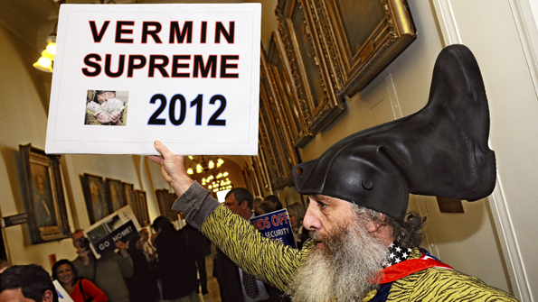 Vermin Supreme arrives to register
