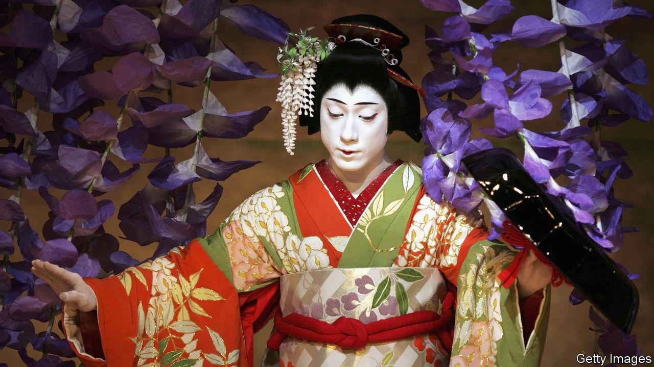 Ebizo Ichikawa inherits Japan's most famous acting title