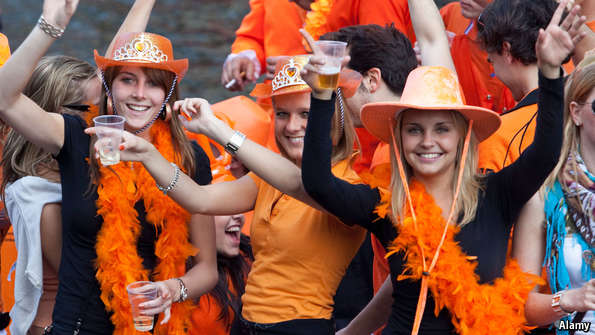 رنگ ملی کشور هلند نارنجی است